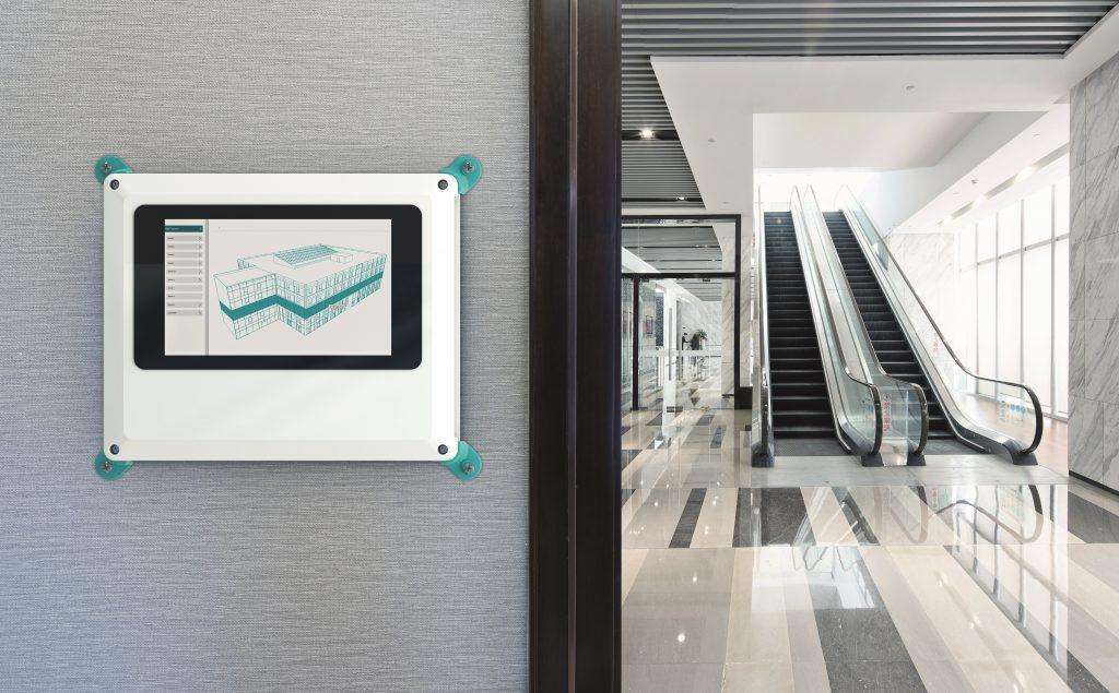 Applikationsbeispiel Gebäudeautomation: Touchdisplay und Single Board Computer befinden sich im individuell zugeschnittenen Wandgehäuse