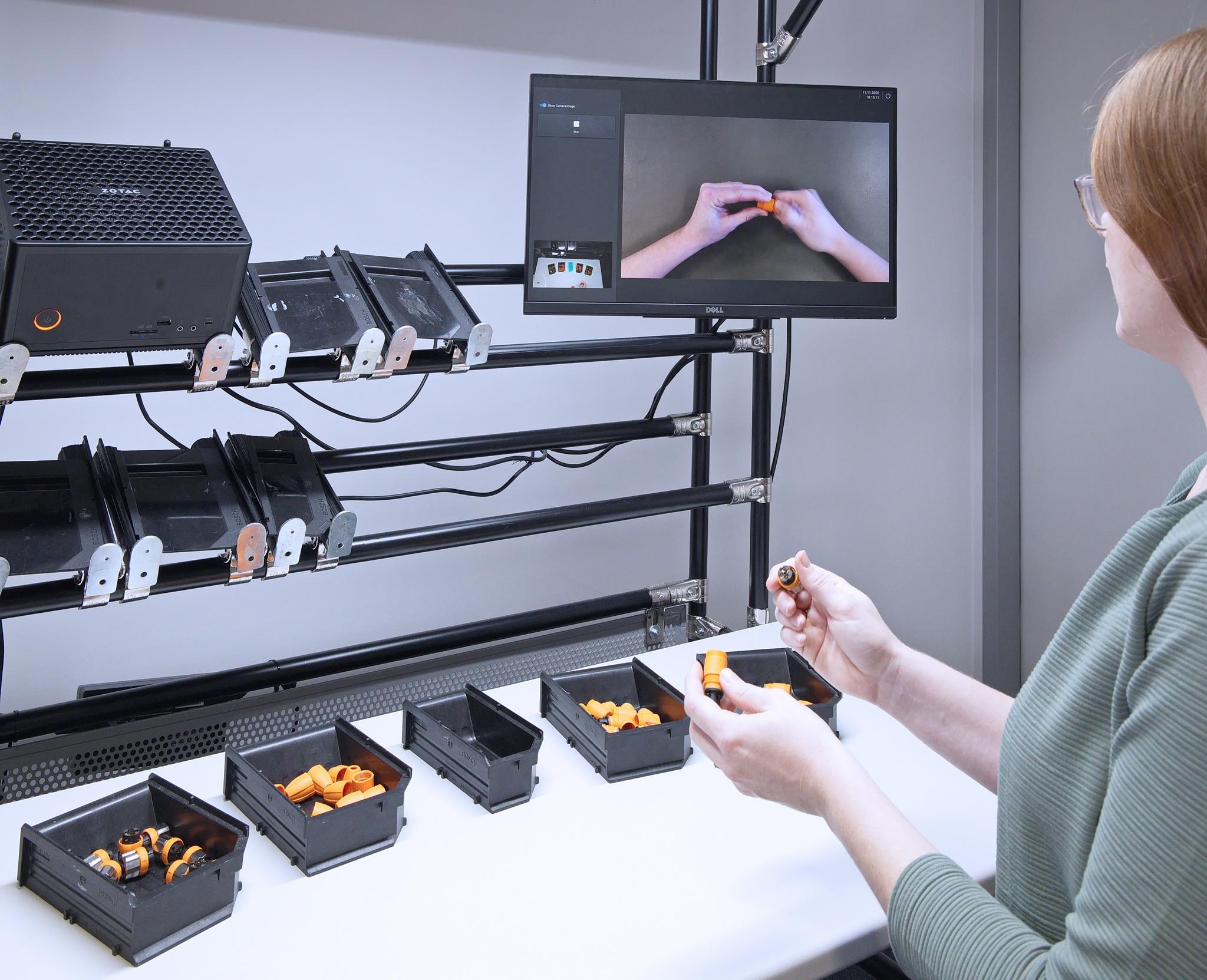 Assistenzsystem mit 2D- und 3D-Kamera