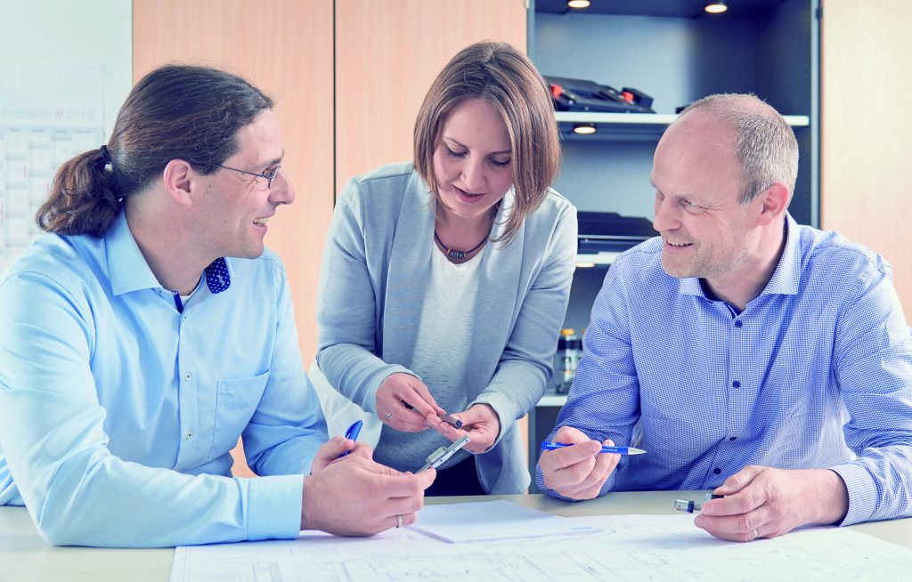 Alle Abteilungen – Konstruktion, Elektronik, Software, Fertigung, Montage und Tests – arbeiten bei Steinmeyer Mechatronik eng unter einem Dach zusammen.