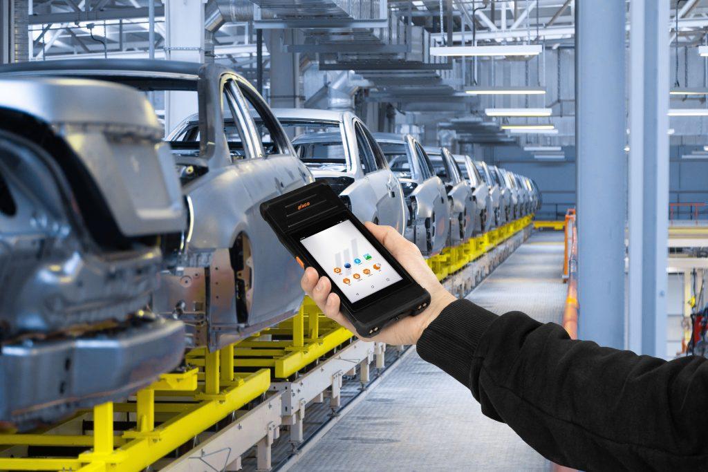 Das Modul M2UHF-RFID verwandelt den Handheld Computer M2Smart SE in einen industriell einsetzbaren mobilen RFID-Reader.