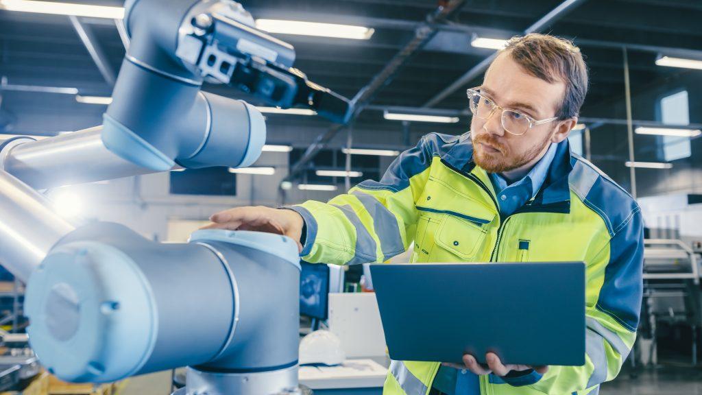 In Corona-Zeiten steigt die Bedeutung von Maschinen- und Arbeitssicherheit und ihre Grenzen verschwimmen.