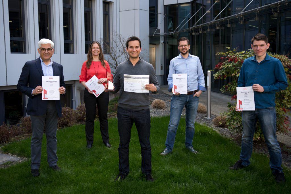 Vlnr: Dr. Sergey Lopatin, Julia Rosenheim, Dr. Tobias Brengartner, Jan Schleiferböck, Pablo Ottersbach (Endress+Hauser SE+Co. KG)