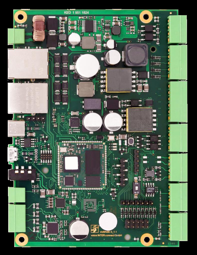 Die vicCOM IP Elektronik ist nur 130 mm x 96,4 mm groß und verfügt über eine Vielzahl an Schnittstellen und I/Os für den universellen Einsatz.