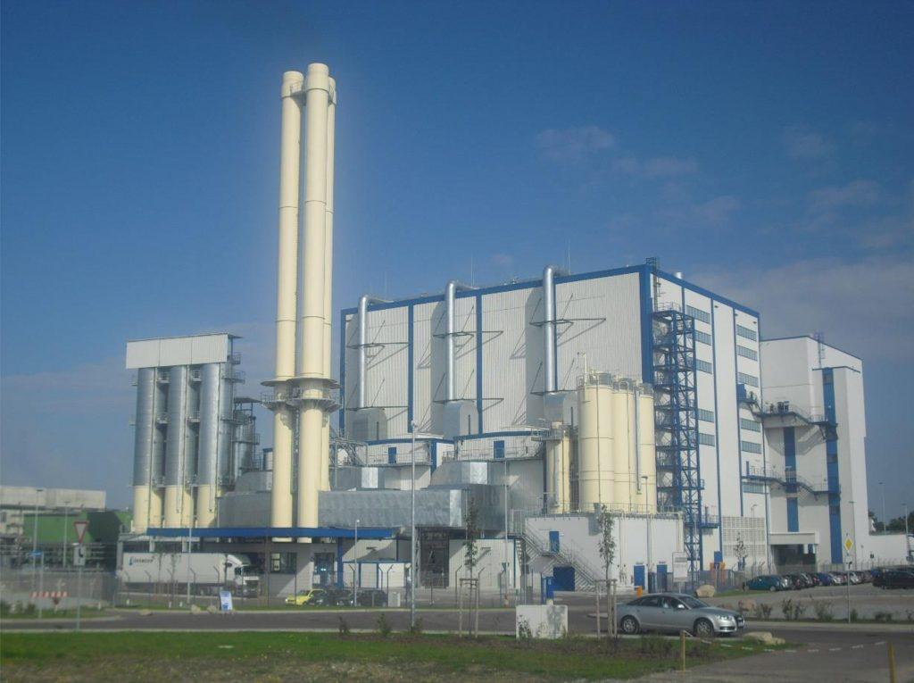 Ersatzbrennstoff-Kraftwerk der EAB (heute PreZero Energy) in Bernburg/Saale mit einer Rauchgasreinigungs-Anlage von Luehr Filter