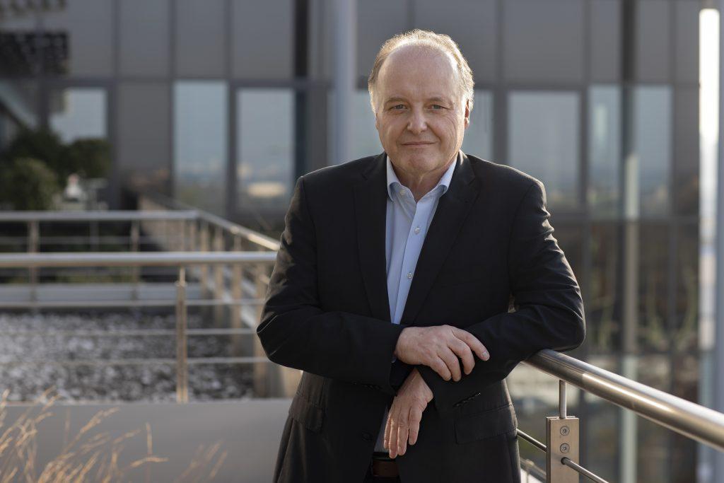 """""""Einen derartigen Versorgungsengpass im Bereich von Leistungshalbleitern und Mikrocontrollern hatte ich in 31 Jahren Automation noch nicht erlebt.""""  Dr. Gunther Kegel, CEO von Pepperl+Fuchs"""