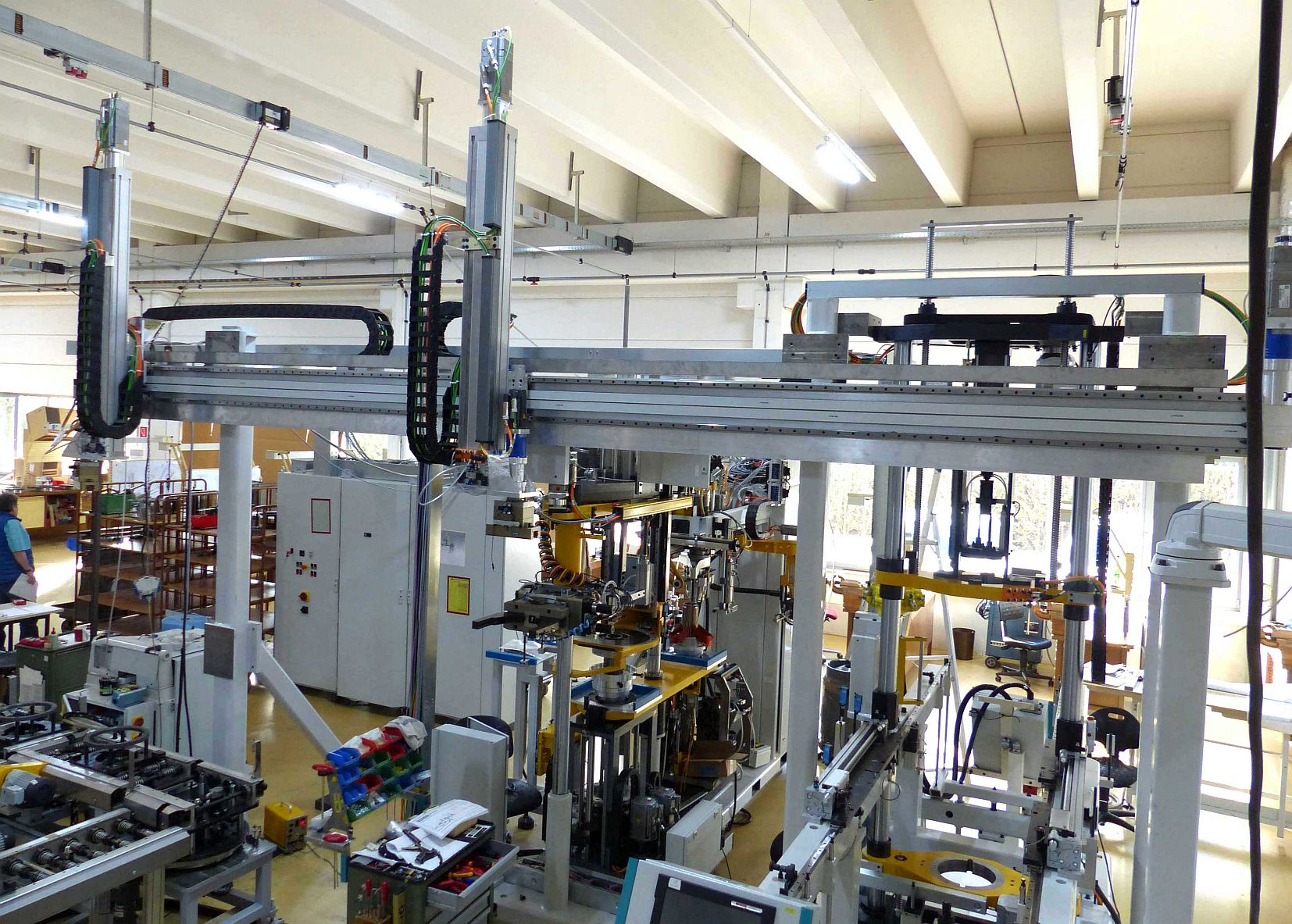 ANT nimmt neue Produktionshalle in Betrieb